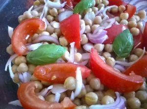 marokkói csicseriborsó saláta